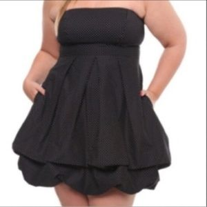 Torrid navy and white dot strapless bubble dress